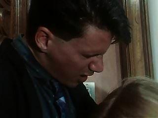 moana pozzi ने amiche del cazzo (1992) में सेक्स किया