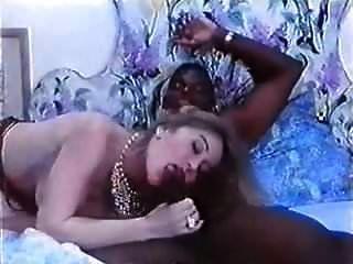 मोना पोज्जी इर सेक्स ला क्लीनिकिका डेल इस्पेज़ियोनी अनाली (1994)