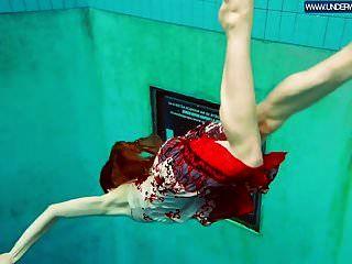 पूल में तैरने वाली गर्म पॉलिश