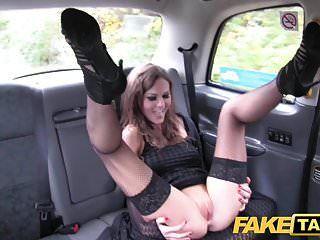 नकली टैक्सी पॉश देवियों बिल्ली और तंग गधा गड़बड़