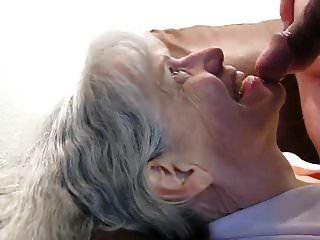 दादी उसे सूखा बेकार है