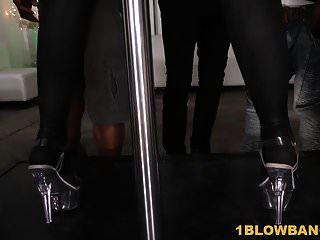 बस्टी ब्रिटनी एम्बर कई काले लंड चूसती है