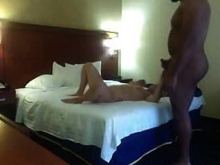 एक होटल के कमरे में अंतरजातीय बकवास