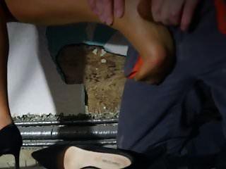 मोज़ा पैर और पैरों पर कठिन कठिन सेक्स