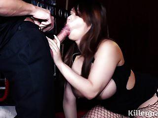 बड़े स्तन एशियाई बेब गड़बड़ गेंदों गहरी