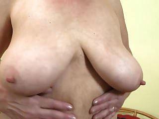 बड़े saggy स्तन और बालों बिल्ली के साथ gilf