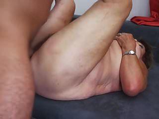 bigtit दादी और माँ मुश्किल सेक्स हो जाता है