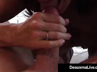 भव्य पत्नी deauxma पति से उसके सभी छेद में ले जाता है!