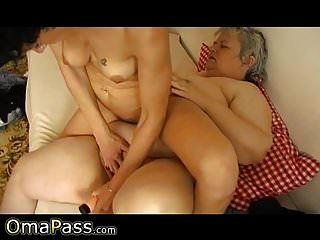 omapass दादी समलैंगिकों वयस्क खिलौने के साथ मज़ा आ रहा है