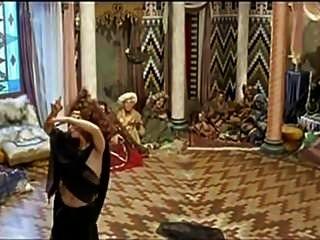 महिला बेन्सी नग्न पेट नृत्य