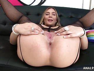 मुझे अपनी गांड के साथ उस डिक पर नाचना पसंद है!