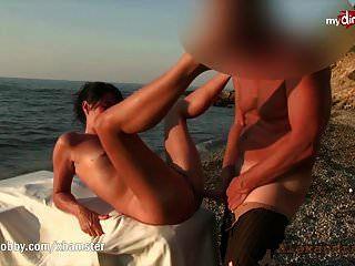 मेरा गंदा शौक nympho समुद्र तट पर drilled हो जाता है