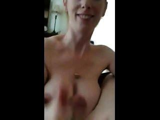 हॉट bigtits पत्नी handjob और blowjob