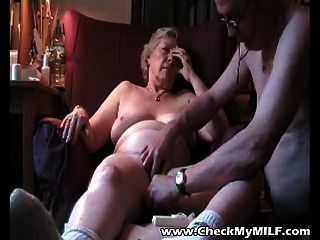 मेरे एमआईएलए दादी और उसके पुराने आदमी की जाँच करें