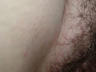 धमाकेदार वेश्या बड़े बालों वाली गीली बिल्ली