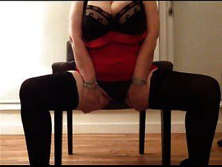 सेक्सी दादी विशाल स्तन फिर से खेल रहे हैं