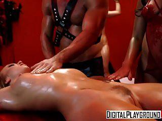 xxx पॉर्न विडियो उसके नीचे का दृश्य 5.mp4