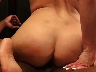 गोरा पत्नी बीबीसी के साथ कमबख्त और वह उसके मुंह में कमिंग 2