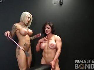 नग्न महिला तगड़े लोग बंधन खेलते हैं