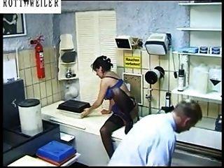 जर्मन अनास्तासिया बड़े स्तन blowjob गड़बड़ पर, मोज़ा