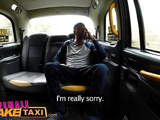 भाग्यशाली नकली के लिए महिला नकली टैक्सी बैक सीट बस्टी blowjob