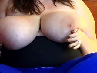 मैं विशाल फांसी स्तन प्यार करता हूँ 166