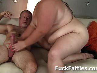 विशाल वसा पेट और विशाल स्तन बीबीडब्ल्यू