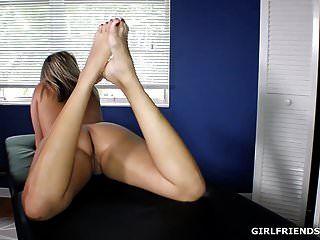 गर्म गर्म सुंदर पैर