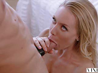 विक्सेन निकोल एनिस्टन ने अपने प्रेमी को गर्म सेक्स के साथ आश्चर्यचकित किया
