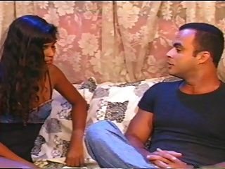 फेब्रीज़िया मैगलेहास, एक सुंदर ब्राजीलियाई अभिनेत्री।