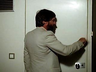 लेस फीमेल मैरीज़ (2k) 1982