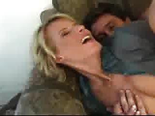 गुदा सेक्स की तरह milf एंजेलिका!