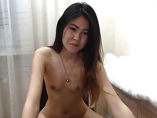 सेक्सी कोरियाई लड़की कैम पर squirts