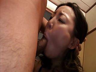 बिकनी में जापानी एमआईएलए गड़बड़ (बिना सेंसर)