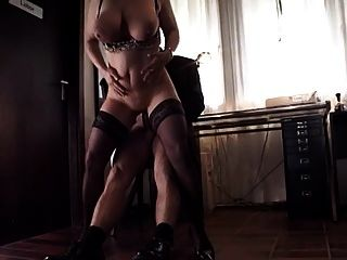 बड़े saggy फांसी स्तन milf मोज़ा assfucked