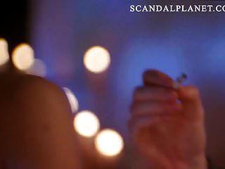 एंजेलीना जोली टॉपलेस नग्न स्तन दृश्य scandalplanetcom पर