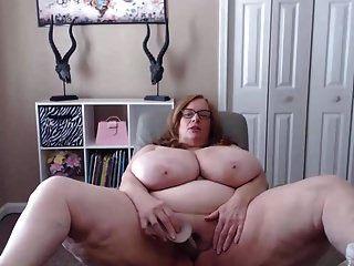 सभी प्राकृतिक 44q कप स्तन, आपसे गंदी बात करना पसंद करते हैं।