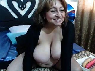 परिपक्व saggy स्तन वेब कैमरा