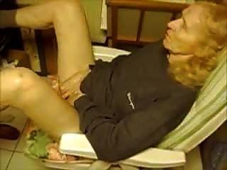 75 वर्षीय दादी खेलती है