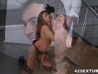 busty aletta महासागर गुदा सेक्स प्यार करता है