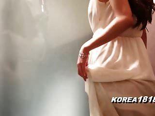 सुंदर कोरियाई नग्न देवी