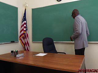 slutty छात्रा ब्रिटनी प्रकाश लेता है शिक्षक की बीबीसी