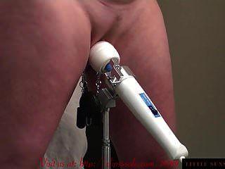 जादू की छड़ी और बिल्ली clamps बीडीएसएम के साथ सुपर चिल्ला संभोग