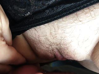 चूत को पीछे से चाटना