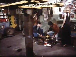 काले रेशम में गोरा (1979)