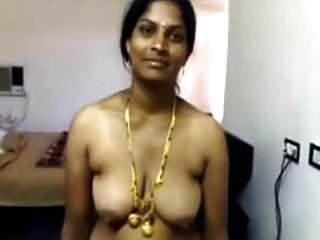 मेरा मौसी नंगा शो