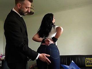 milf फूहड़ एला बेला पास्कल द्वारा गधे में मुश्किल से टक्कर लगी