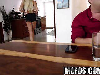 mofos गुदा liza rowe ब्रेसिज़ और बट सेक्स की कोशिश करता है