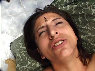 त्रिगुट कट्टर भारतीय कमबख्त परिपक्व फूहड़ बिल्ली किसी न किसी