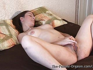 विशाल बिल्ली होंठ बेब मजबूत संभोग संकुचन के लिए खिंचाव